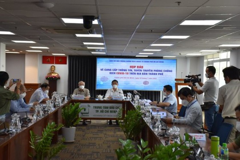 HCMC leader explains why to lend Vingroup 5,000 doses of vaccine ảnh 1