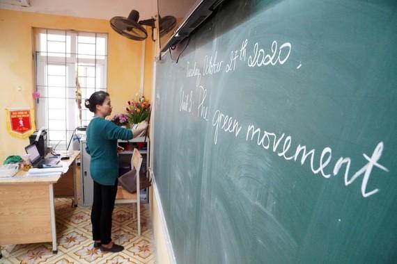Teachers continue to enjoy seniority allowance ảnh 1