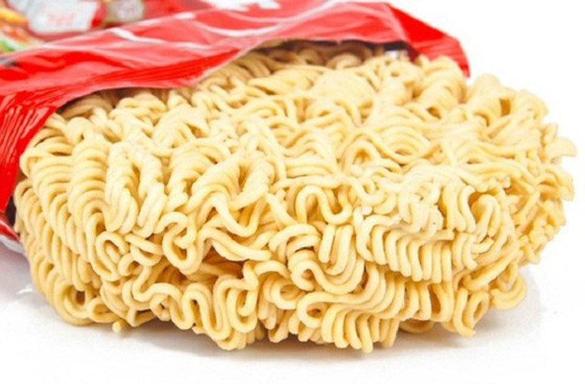 More dried noodles recalled in EU for containing banned substance ảnh 1