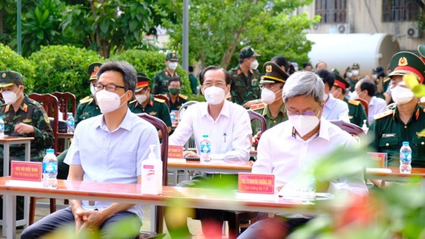 Deputy PM: VN makes efforts to control Covid-19 for students to return to school ảnh 2