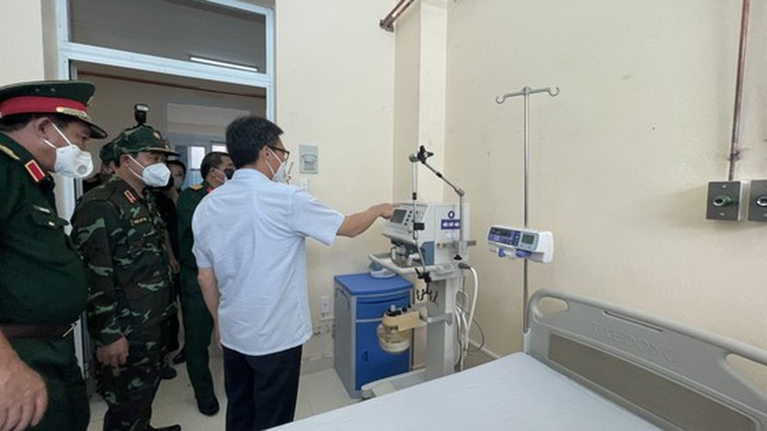 Deputy PM: VN makes efforts to control Covid-19 for students to return to school ảnh 1