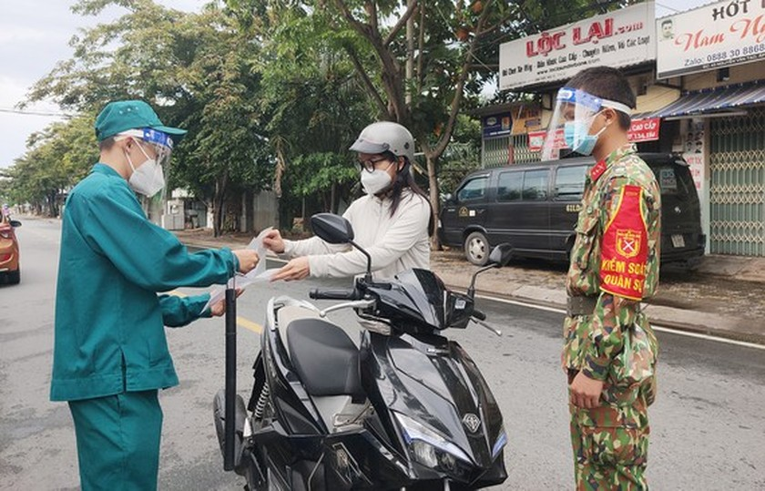 HCMC loosens restriction on activities, services from September 16  ảnh 1