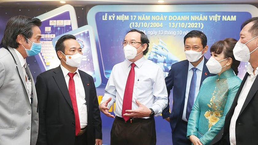City administrators always listen to businesspersons' opinions for economic recovery, development ảnh 2