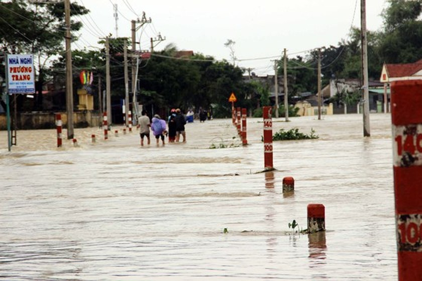 Nearly 29,000 houses moved due to huge flooding  ảnh 4
