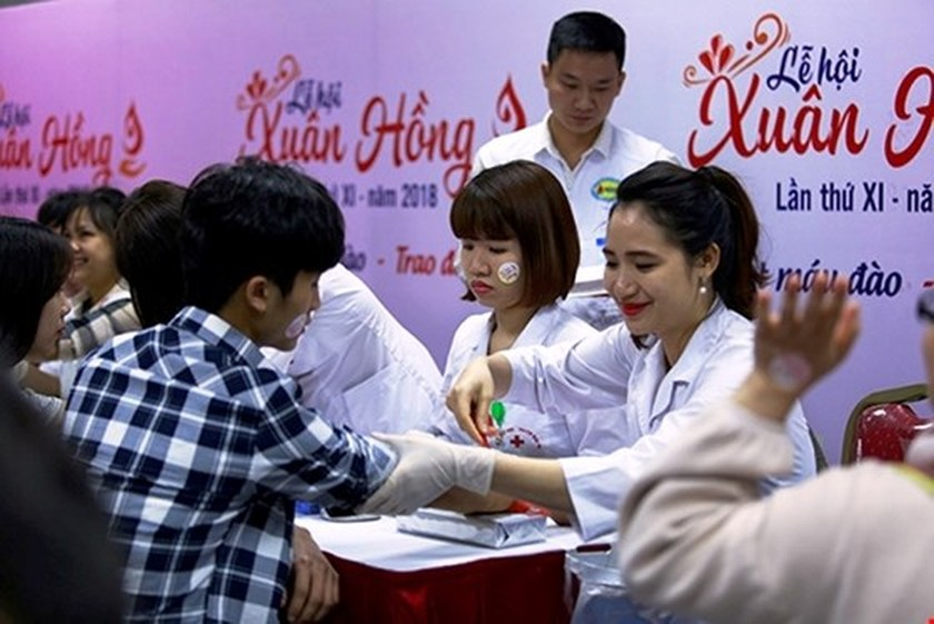 Thousands of people join Pink Spring blood donation festival ảnh 1