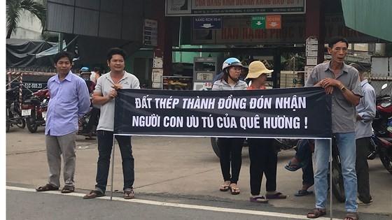 Vietnamese people bid last farewell to late PM Phan Van Khai  ảnh 17
