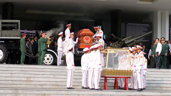 Vietnamese people bid last farewell to late PM Phan Van Khai  ảnh 12