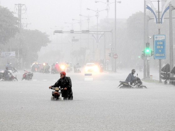 Floodwater raising in central region  ảnh 3
