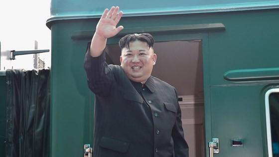 DPRK President Kim Jong-un ends official friendly visit to Vietnam  ảnh 4