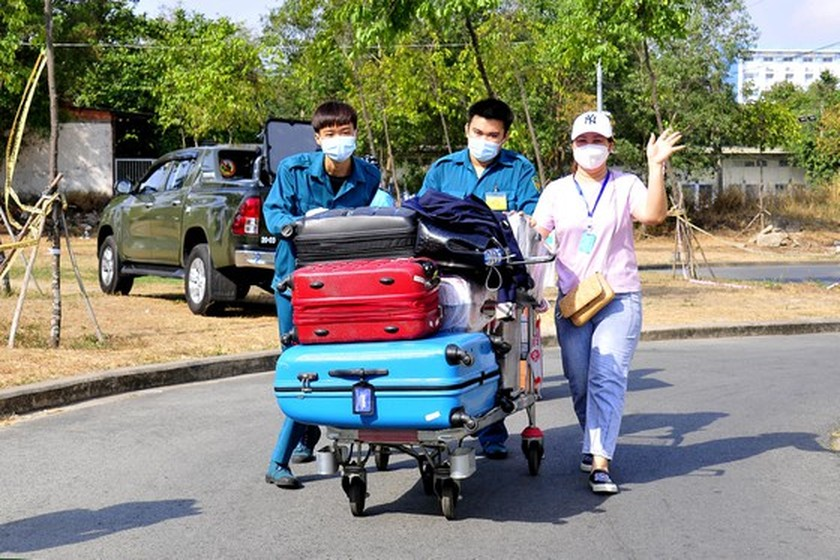 Over 2,6000 people complete centralized isolation in HCMC  ảnh 5