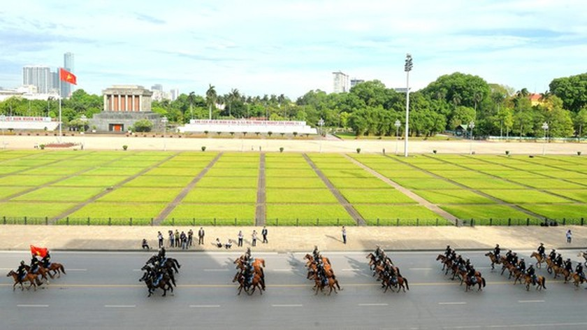 Horse-training day of Cavalry soldiers at Ba Van horse farm ảnh 6