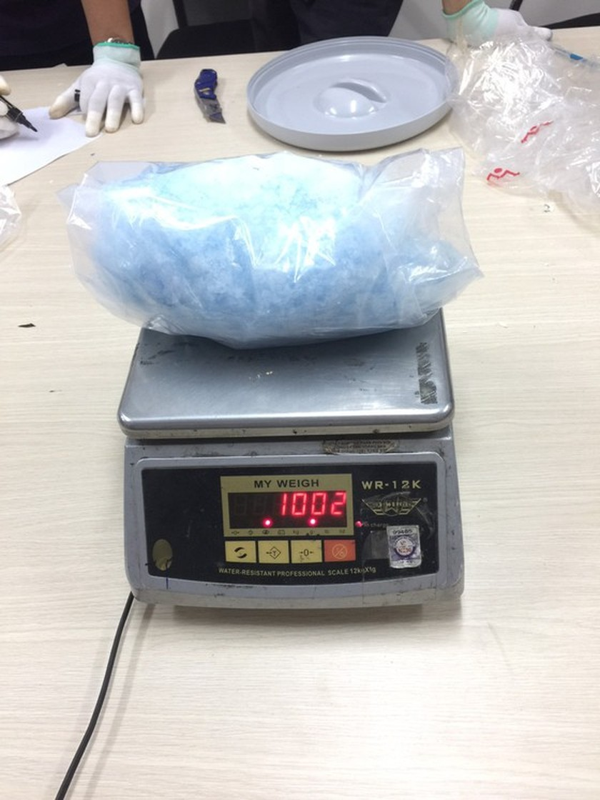 Over 9-kilogram drugs detected in candy packages  ảnh 1