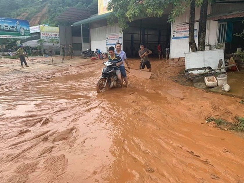 Ha Giang: At least five dead, two injured in torrential rain, flood ảnh 1