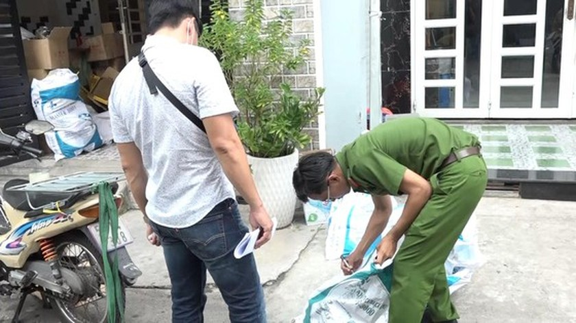 City abolishes huge quantity of counterfeit motorcycle parts  ảnh 5