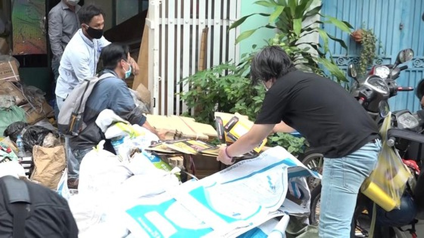 City abolishes huge quantity of counterfeit motorcycle parts  ảnh 6