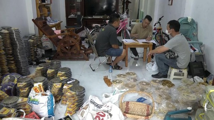 City abolishes huge quantity of counterfeit motorcycle parts  ảnh 3