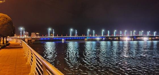 Nhat Le riverbanks glow after embellishment  ảnh 6