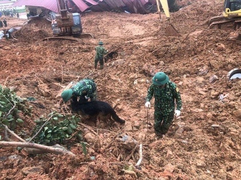 Bodies of all 22 soldiers missing under landslide found in Quang Tri Province ảnh 6