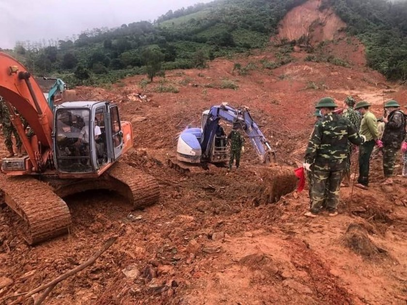 Bodies of all 22 soldiers missing under landslide found in Quang Tri Province ảnh 5