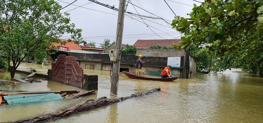 Flood dead toll rises to eight in Quang Binh Province ảnh 5