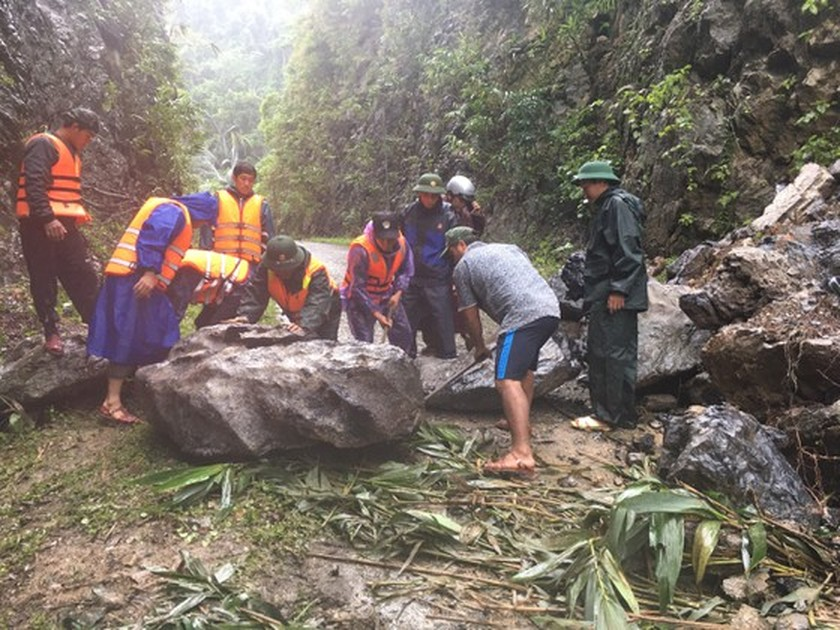 Flood dead toll rises to eight in Quang Binh Province ảnh 3