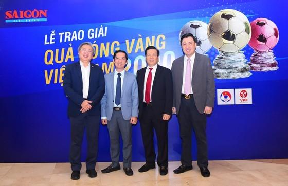 Nguyen Van Quyet (Hanoi FC) wins Men's Golden Ball Awards 2020  ảnh 13