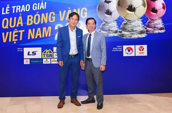 Nguyen Van Quyet (Hanoi FC) wins Men's Golden Ball Awards 2020  ảnh 6