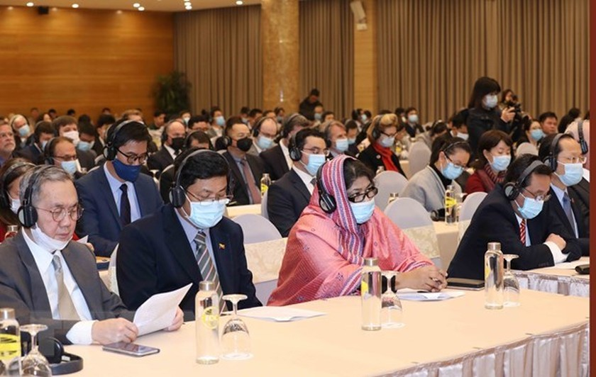 Diplomatic corps, int'l organisations informed on 13th National Party Congress ảnh 1