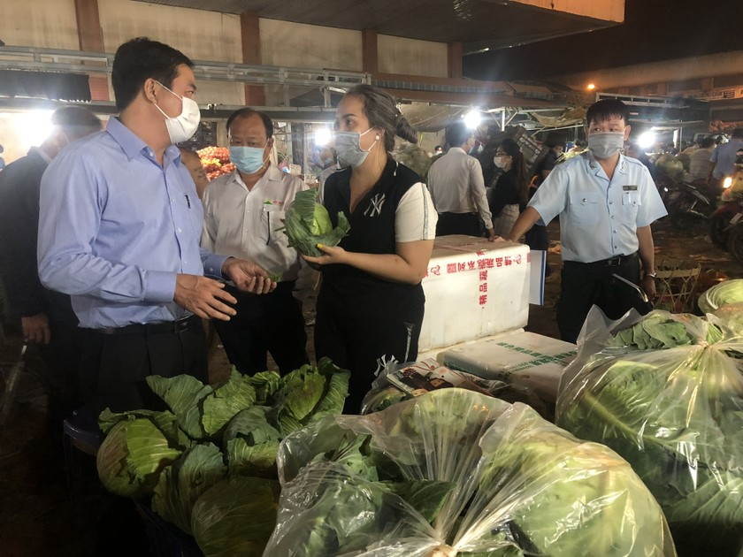 HCMC has plentiful goods, food safety for upcoming Tet holiday  ảnh 3