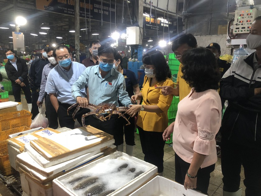 HCMC has plentiful goods, food safety for upcoming Tet holiday  ảnh 4