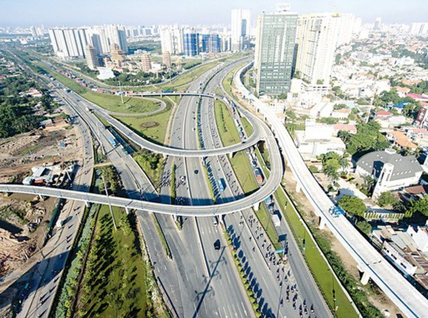 HCMC waits for operation of first metro line day-by- day ảnh 1