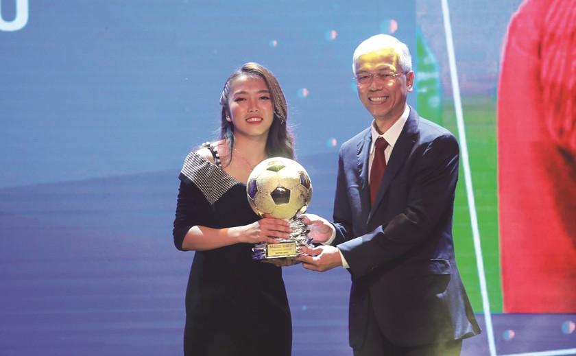 Vietnam Golden Ball Awards becomes prestigious brand name ảnh 3