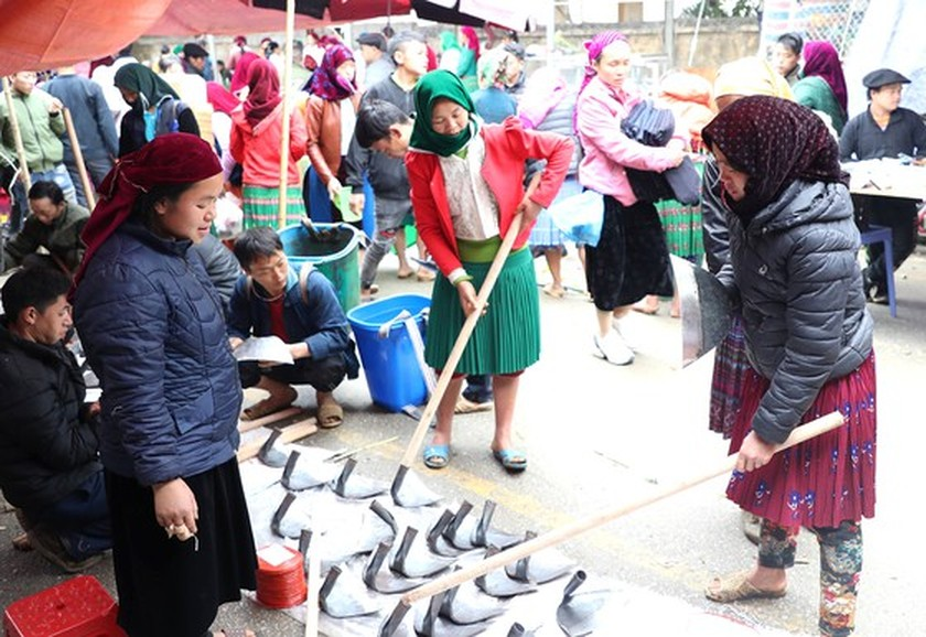 Meo Vac ethnic market becomes must-visit place in Ha Giang  ảnh 5