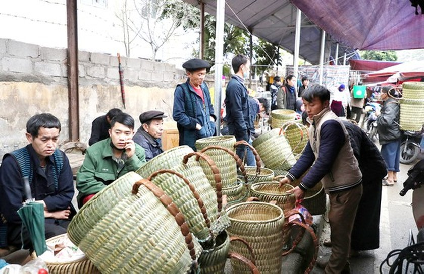 Meo Vac ethnic market becomes must-visit place in Ha Giang  ảnh 6