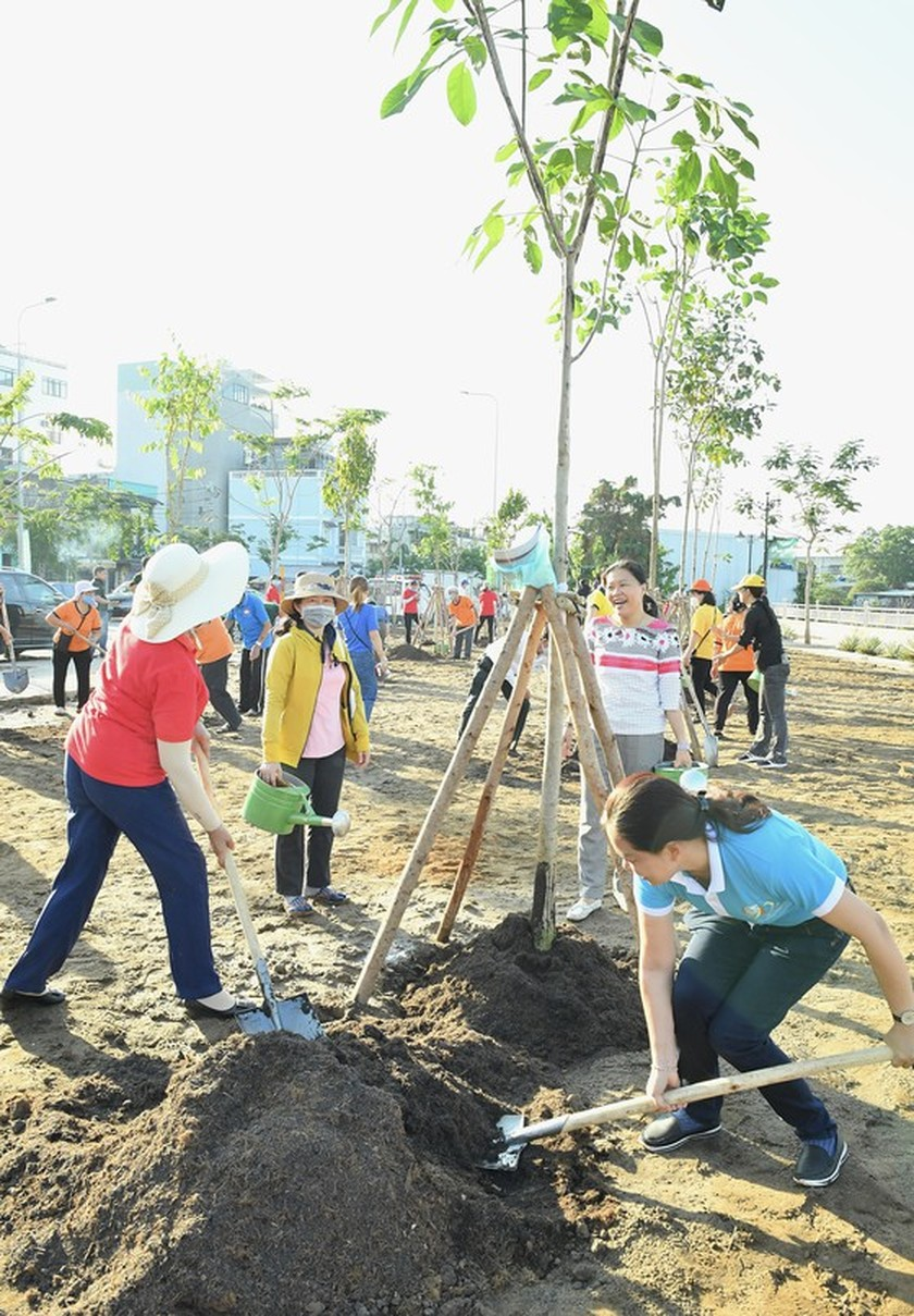 Thu Duc City launches tree- planting campaign for second phase  ảnh 2