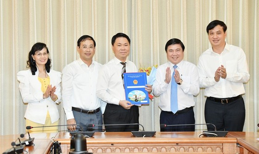 Tran Hoang Quan appointed as Director of HCMC Department of Construction  ảnh 3
