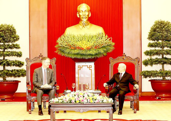 Party leader lauds US ambassador's contributions to Vietnam-US ties ảnh 1