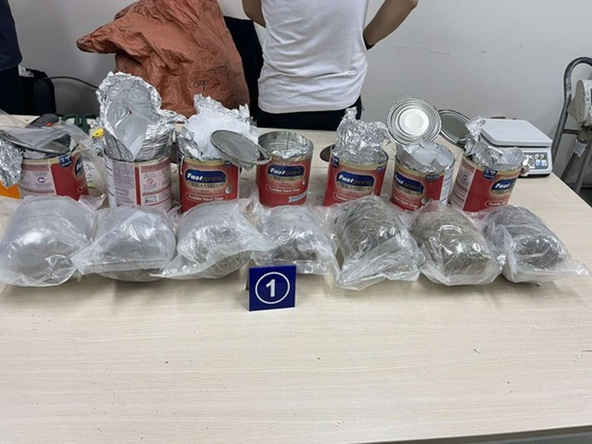 HCMC seizes nearly 36 kilograms of drugs inside non-commercial gift packages ảnh 3