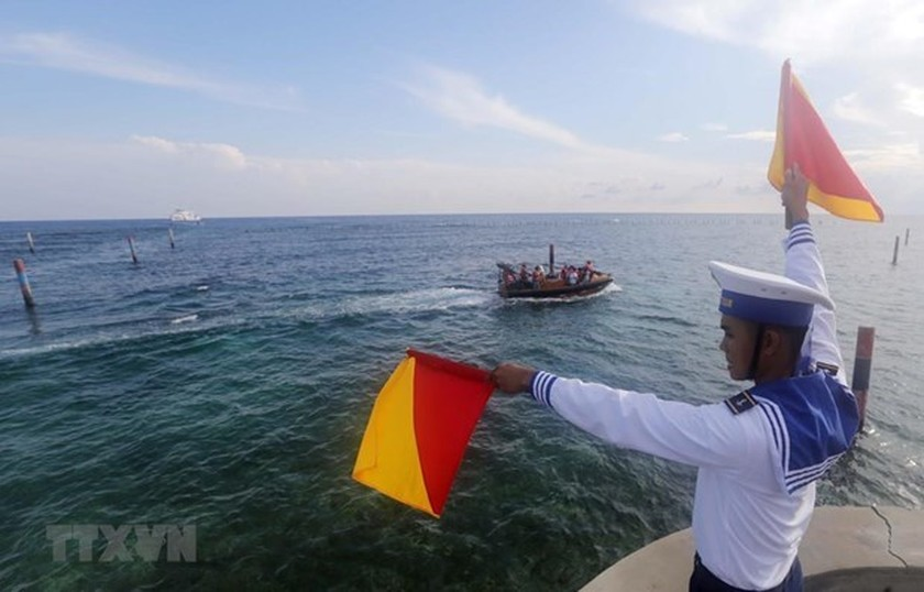 Vietnam resolutely rejects China's unilateral fishing ban: Deputy Spokesman ảnh 1