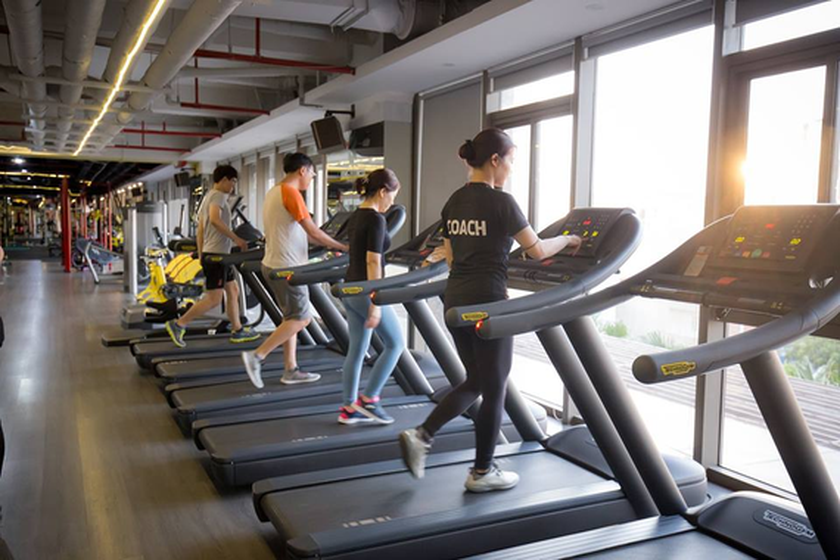 HCMC to halt gym centers, wedding venues, buffet restaurants ảnh 1
