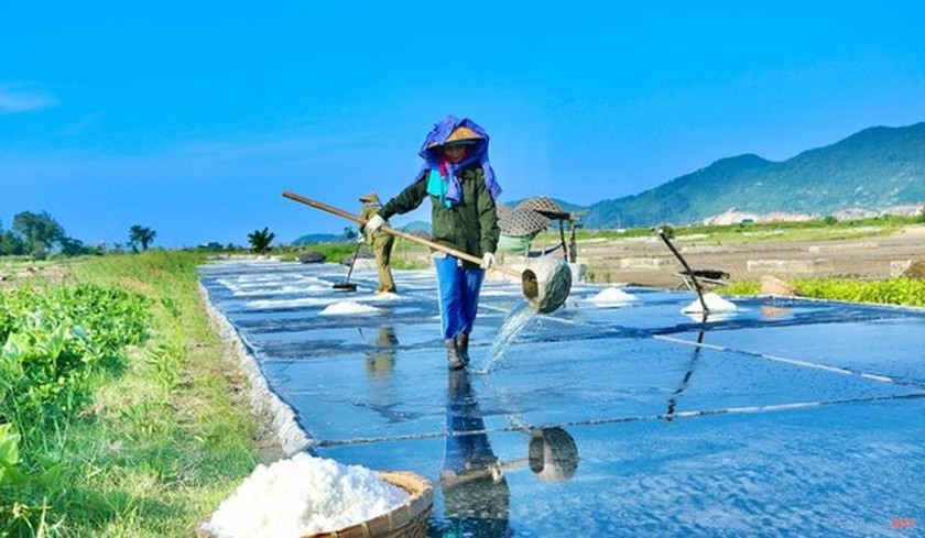 Northern, Central regions to face peak hot temperature of 41 degrees Celsius ảnh 1