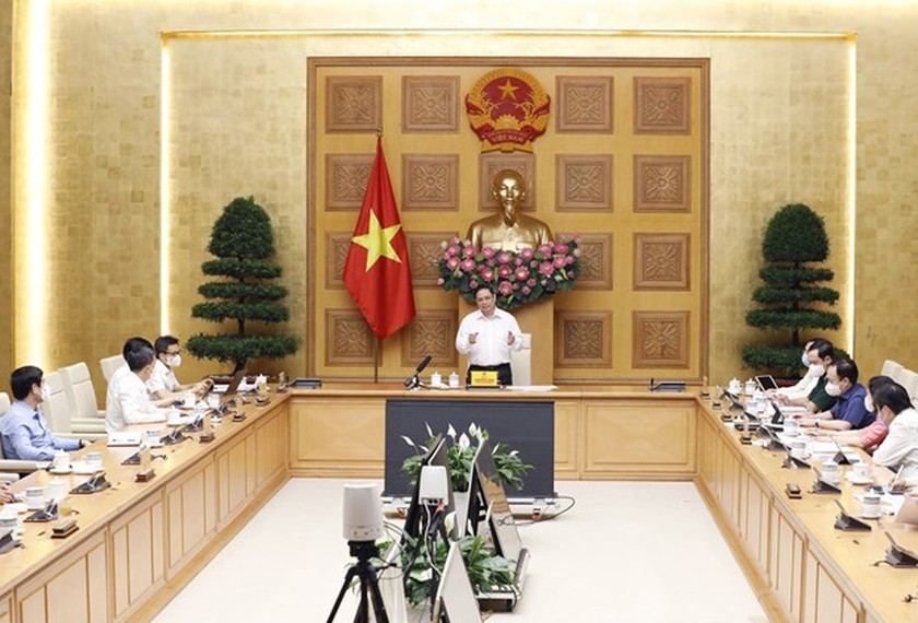 PM orders accelerating work towards domestic vaccine production ảnh 2
