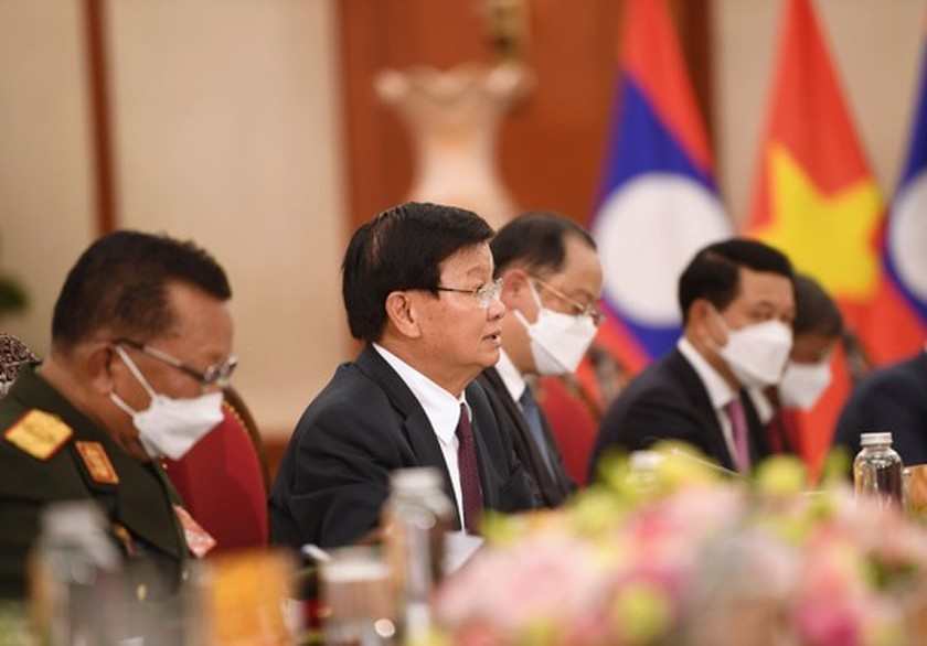Party, State leader of Laos visits Vietnam ảnh 8