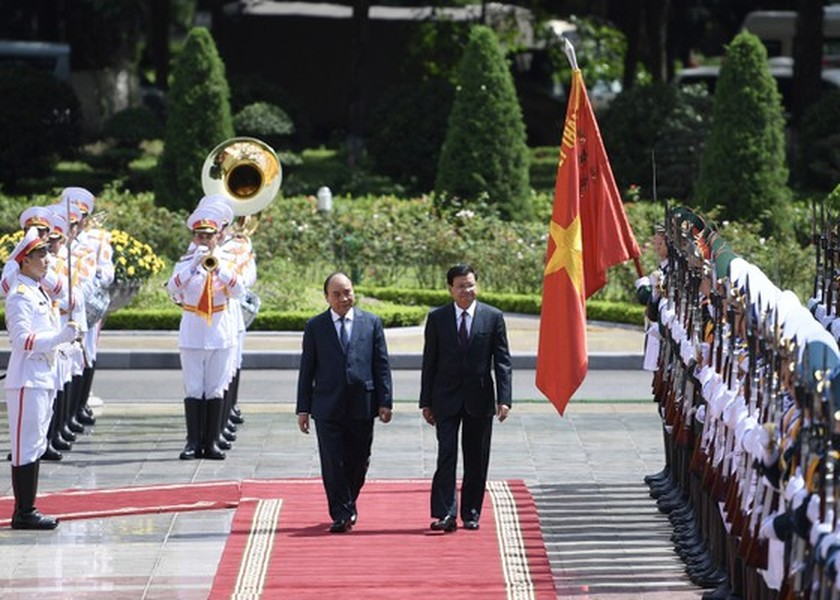 Party, State leader of Laos visits Vietnam ảnh 1