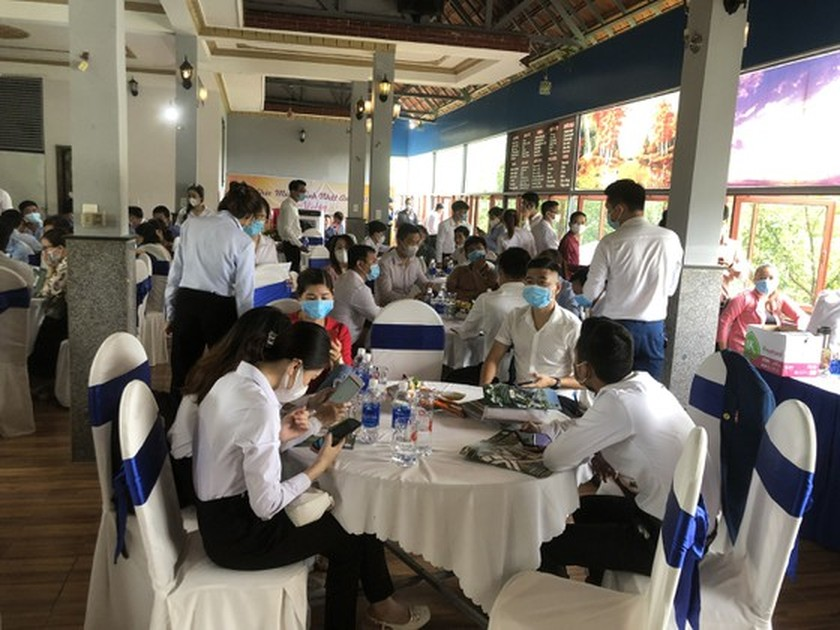 Binh Phuoc fines restaurant US$14,000 for breaking Covid-19 prevention rules ảnh 1