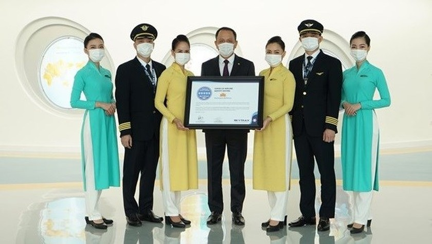 Vietnam Airlines gets five-star Covid-19 airline safety rating ảnh 1
