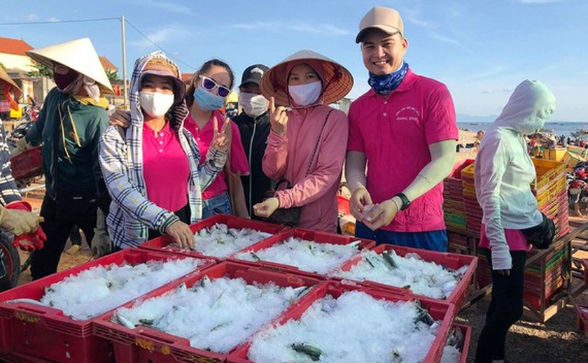 Quang Binh sends 18 tons of fish to HCMC residents in isolation areas ảnh 1