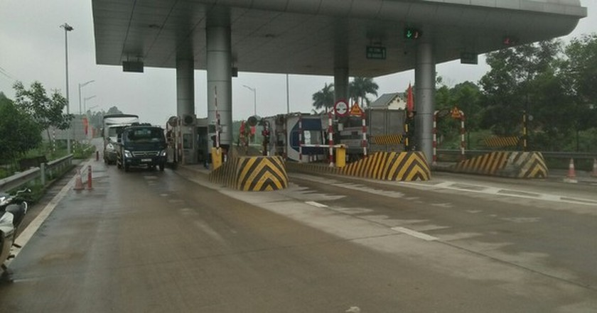 More 'greenlight lanes' added to facilitate operation of transport vehicles ảnh 1