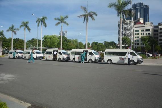 Da Nang 115 Emergency Center sends 15 medical staff to HCMC ảnh 2