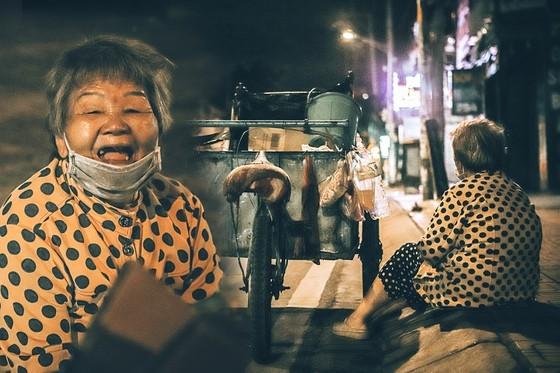 Livelihoods of the poor on HCMC streets via some random photos ảnh 5